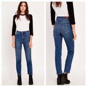 Urban Outfitters BDG Girlfriend High Rise Jeans 24